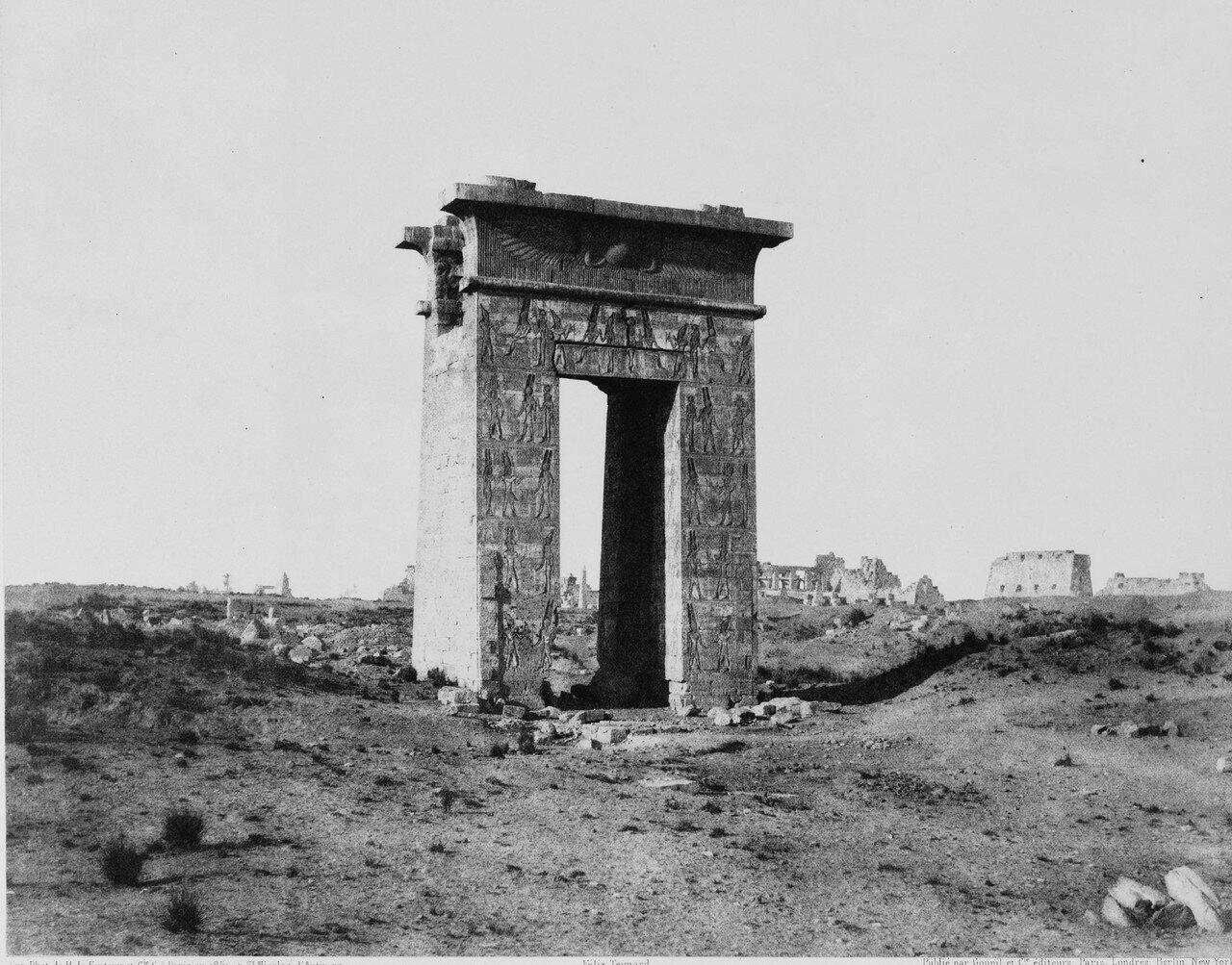 Карнак (Фивы). Большие северные врата. 1858