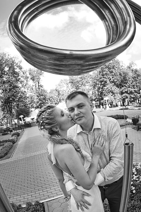 требуется свадебный фотограф в Москве?