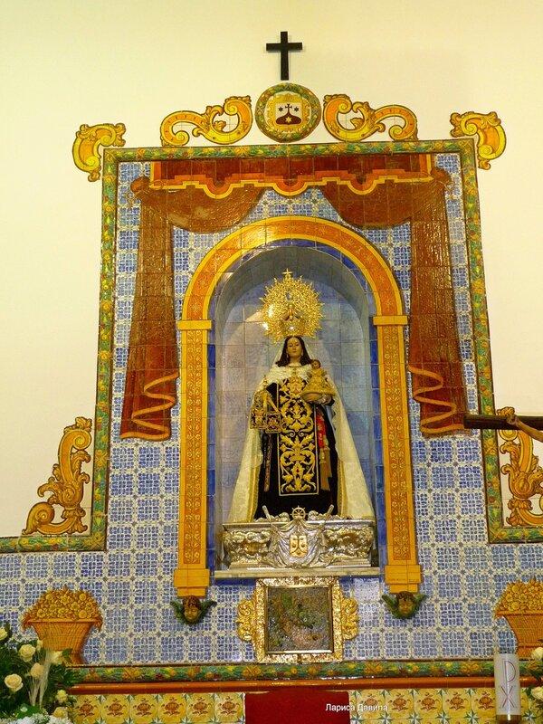 La Iglesia de Nuesra Senora del Carmen- (4).jpg