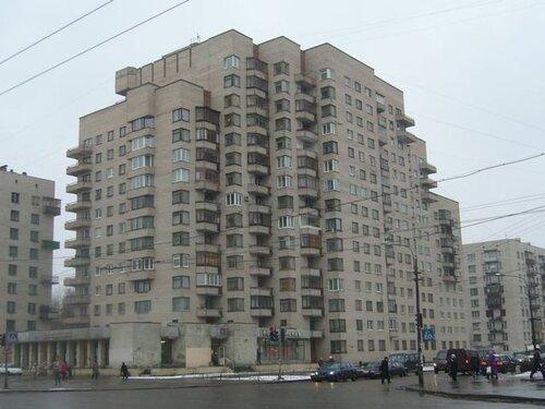 ул. Лени Голикова 53