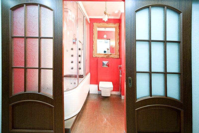 двери в ванной фото