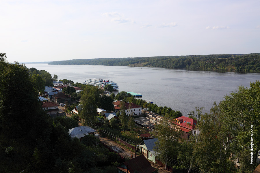 14 августа 2010 года Теплоход «Сергей Кучкин» в Плёсе