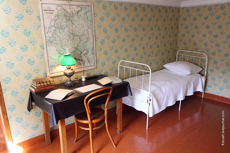 Дом-музей В.И.Ленина. Комната Александра.
