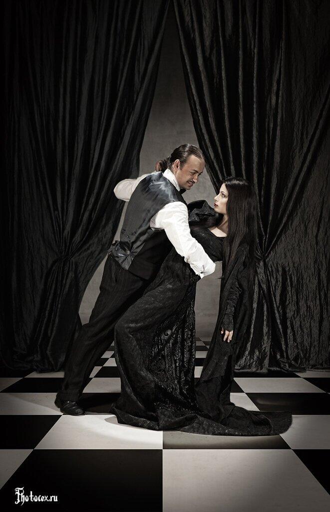 Addams-Gomez&Morticia.jpg