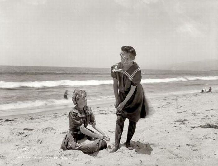 на пляже ретро фото
