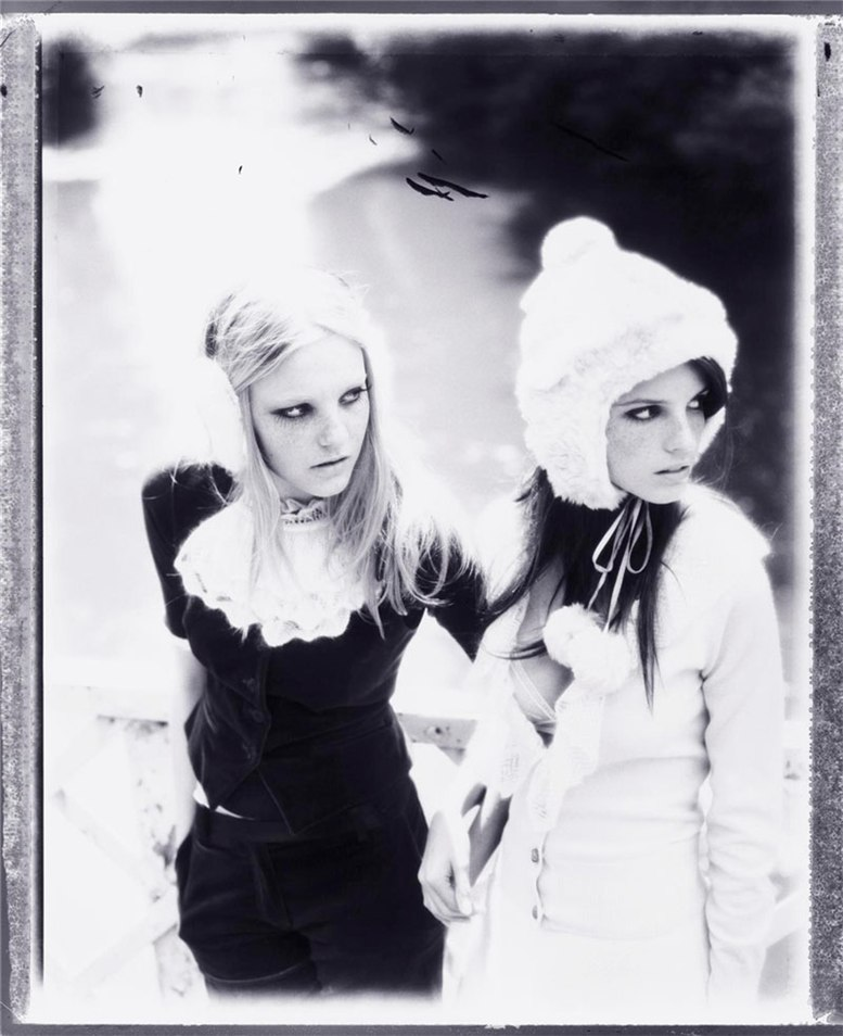 Каролин Трентини и Джейза Чиминаццо / Caroline Trentini and Jeisa Chiminazzo by Ellen von Unwerth