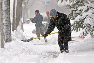 Во Владивостоке ожидается ухудшение погодных условий - надо отпустить работников домой