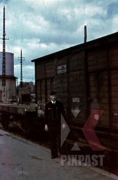 stock-photo-at-the-gare-dorleans-france-1940-12413.jpg
