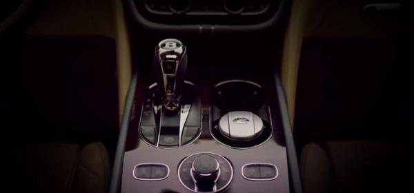 Bentley продемонстрировала салон дебютного кроссовера