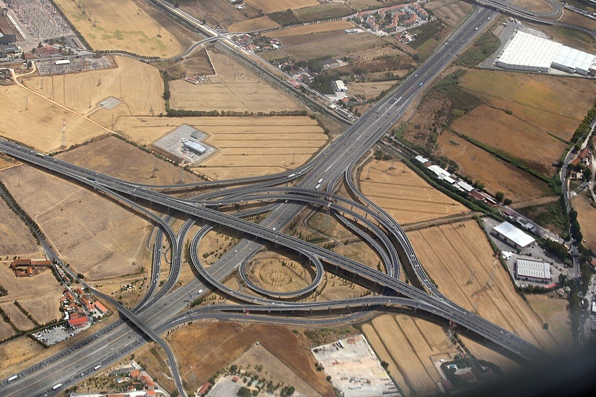 Portugal. The intersection of highways A1 - a10 near the bridge of Leira