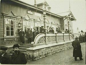 Пассажиры на станции Мысовая Забайкальской железной дороги