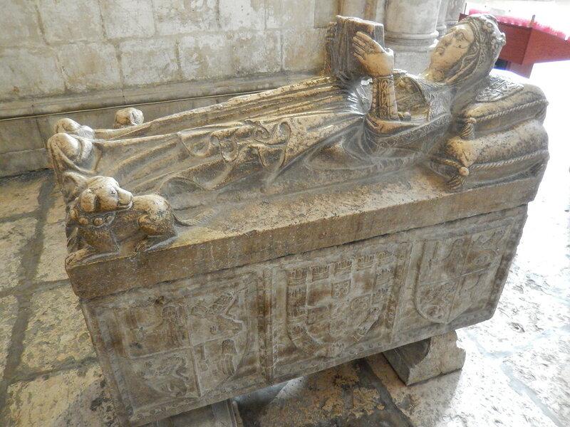 третья гробница принадлежит неизвестной принцессе, жившей в XV веке