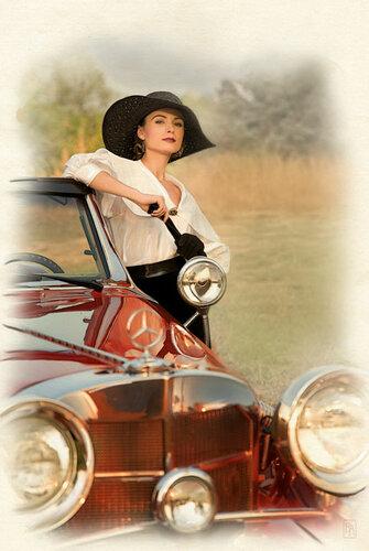 Купите старенький автомобиль И шляпу модную из фетра.  Сейчас так моден новый стиль, И этот стиль зовется - РЕТРО...