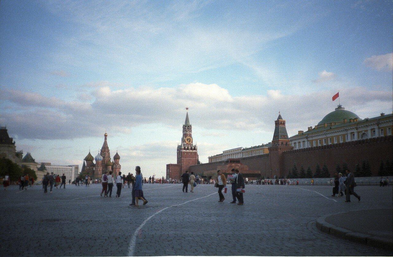 Красная площадь летним вечером