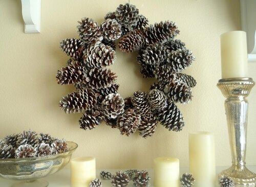 новогоднее украшение из шишек