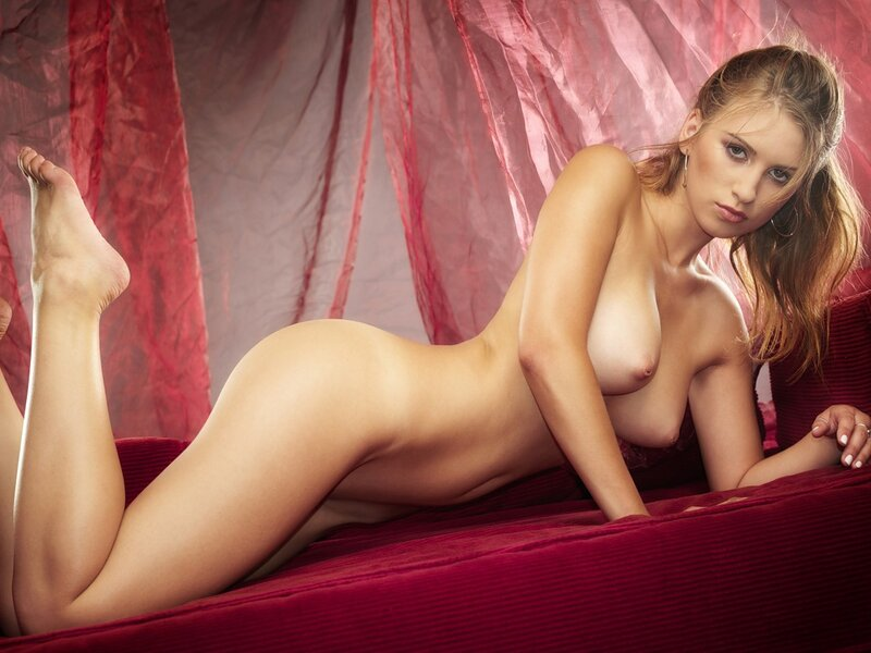 Gellar naked — photo 7