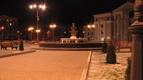 Площадь Дворца Солдатова Пермь.JPG