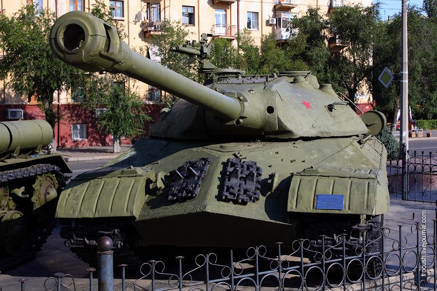 ИС-3 «Щука». Советский тяжелый танк периода Великой Отечественной войны.