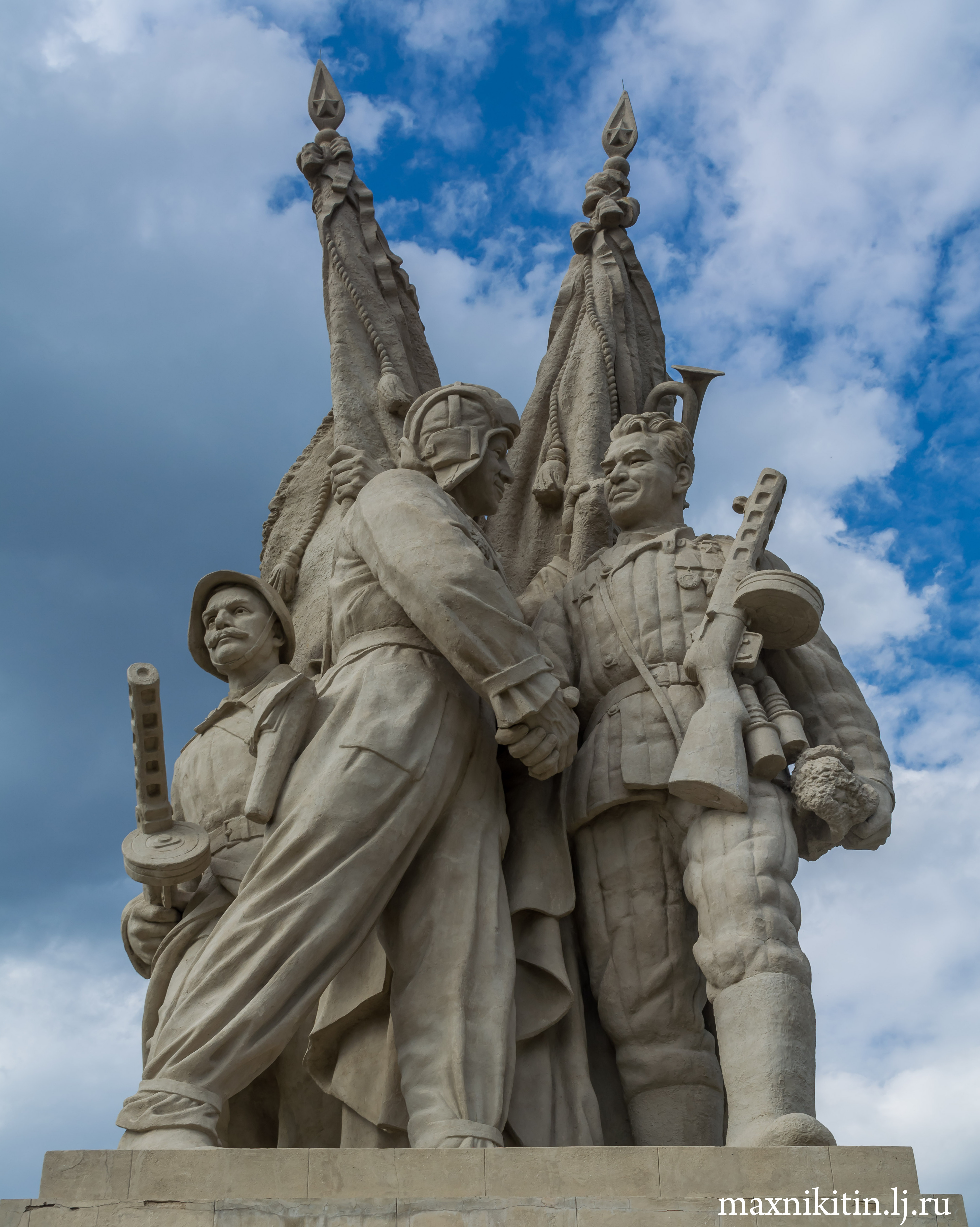 известные памятники в россии в честь победы что там