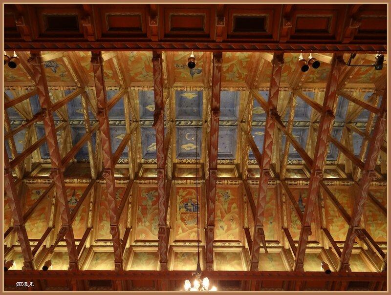 Потолок зала для заседаний в Ратуше