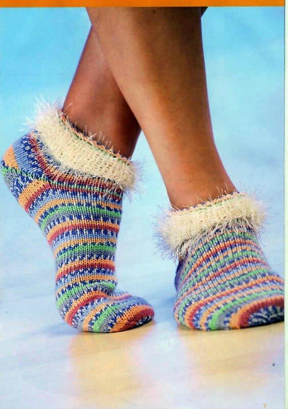 Красивые вязаные носки с махровой резинкой спицами.