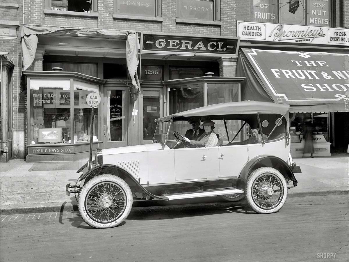 Автомобили и девушки начала 20-го века на снимках американских фотографов (17)