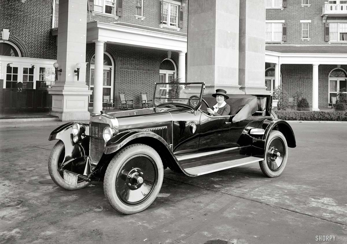 Автомобили и девушки начала 20-го века на снимках американских фотографов (18)