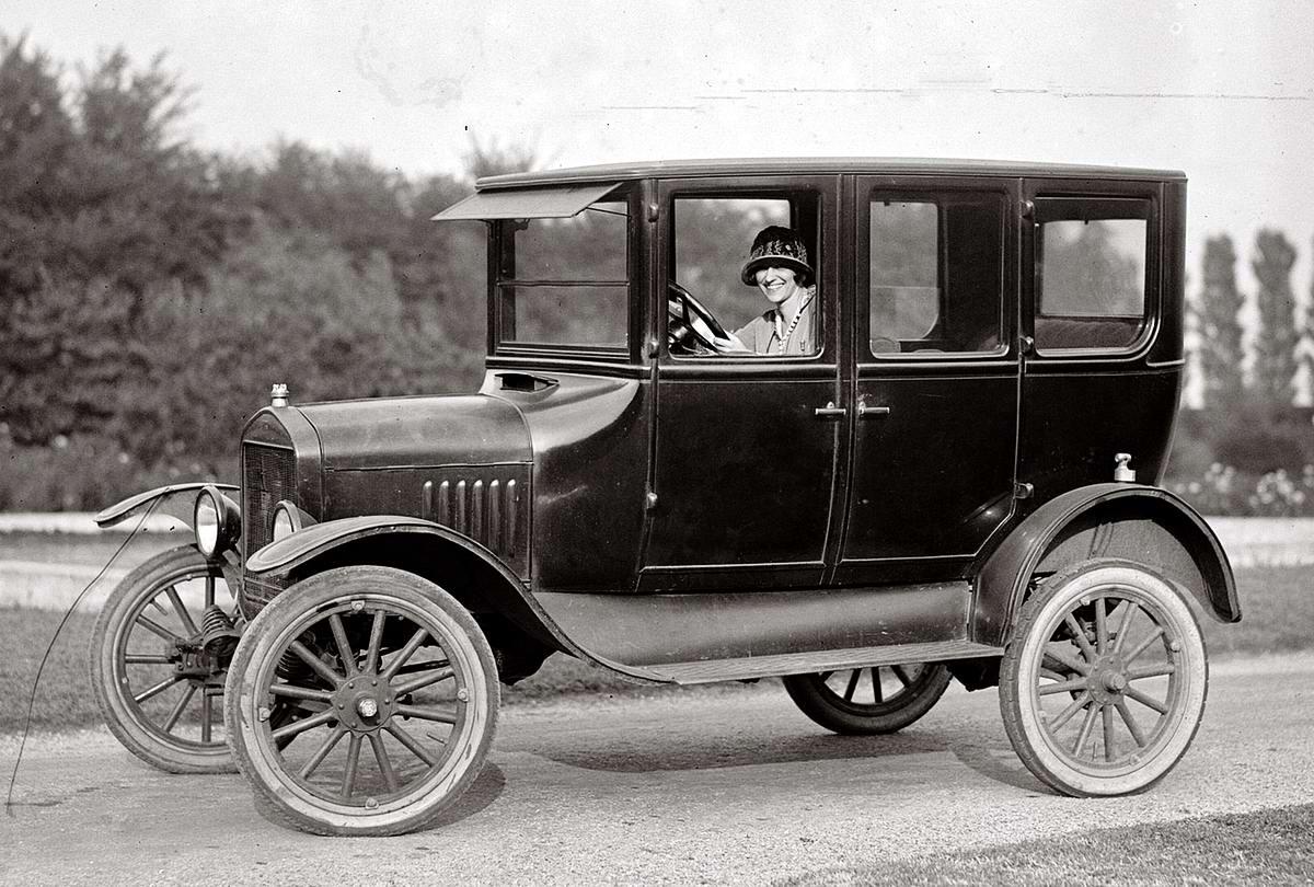 Автомобили и девушки начала 20-го века на снимках американских фотографов (30)