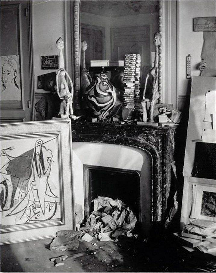 1932. Камин в студии Пикассо на рю Буэти