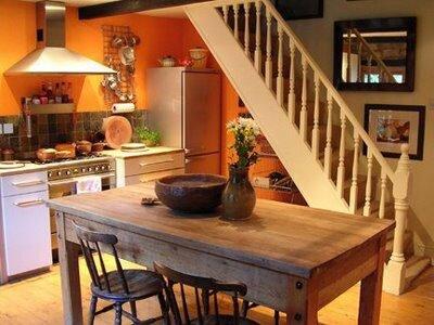 оранжевая кухня фото