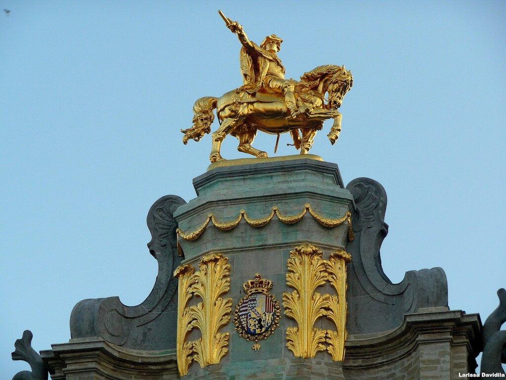 Статуя Карла Лотарингского.