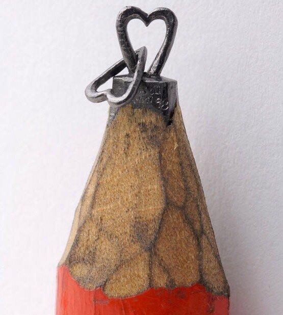 Микро скульптуры из стержня карандаша