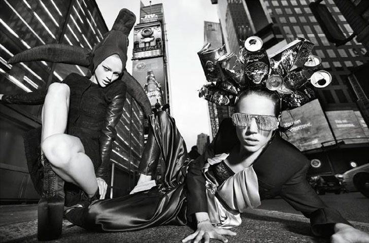 модели Фрея Беха Эриксен и Саша Пивоварова / Freja Beha and Sasha Pivovarova, фотограф Mario Sorrenti