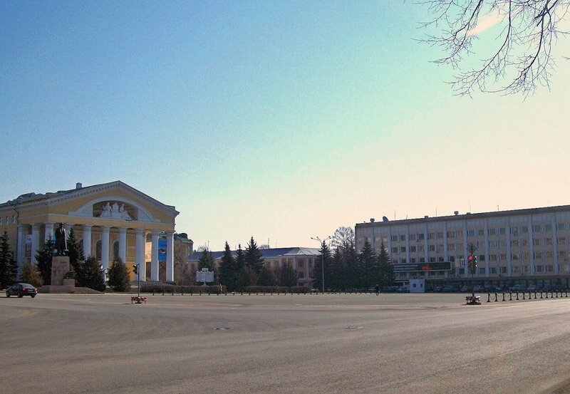 Йошкар-Ола начала подготовку к Параду Победы.  Сегодня и в четверг, 26 апреля, с 15 до 18 часов будет закрыта часть...