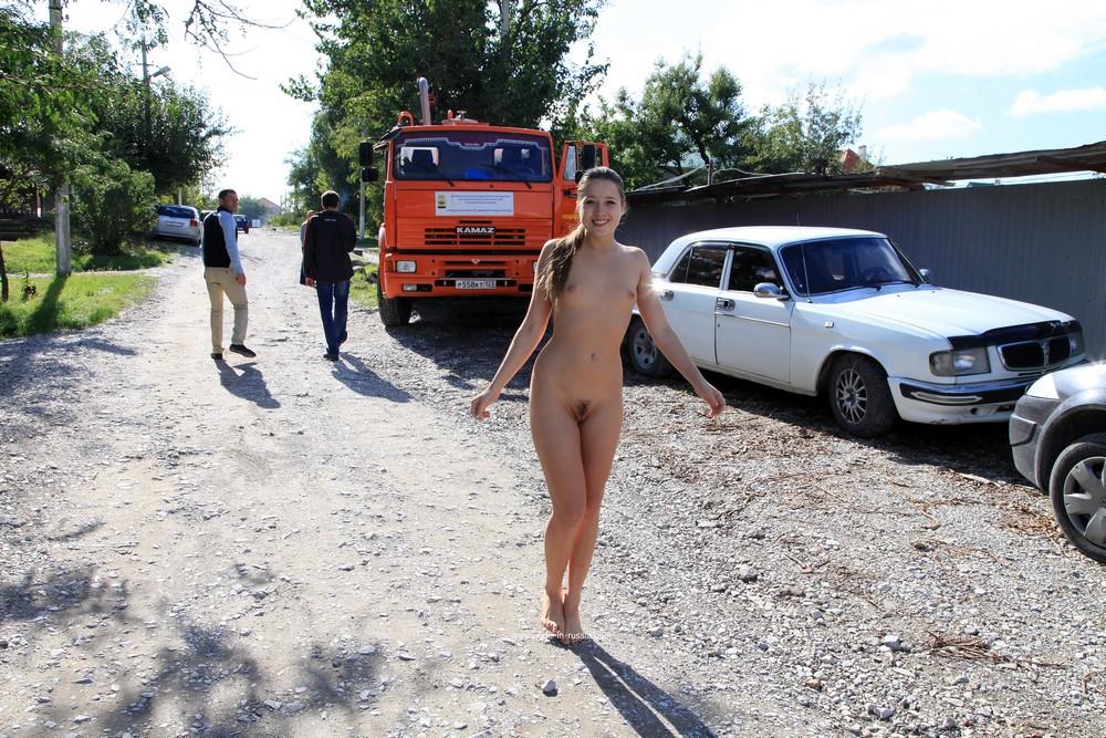 Голая Яна в Новороссийске