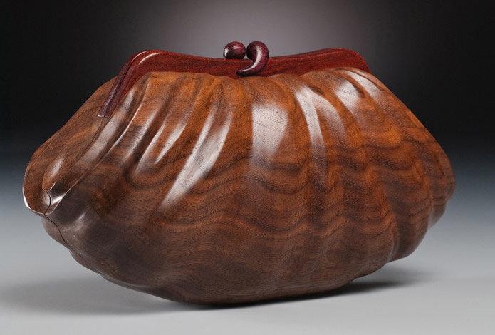 сумочка из дерева