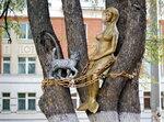 Памятник русалке и коту