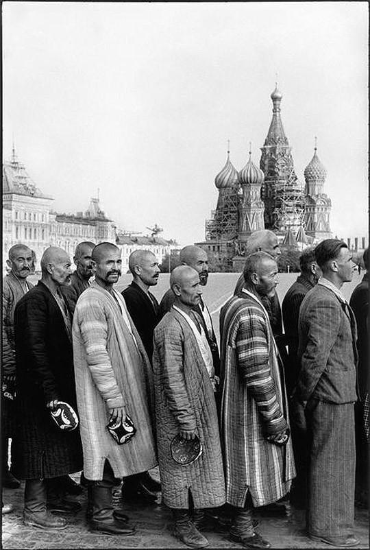 Fotografii-Anri-Karte-Bressona-o-sovetskoj-zhizni-v-1954-godu-25-foto