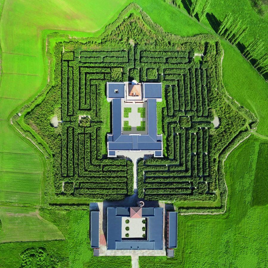 2. Масоне (Парма, Италия) Крупнейшим лабиринтом в мире является «Масоне», который построили в италья