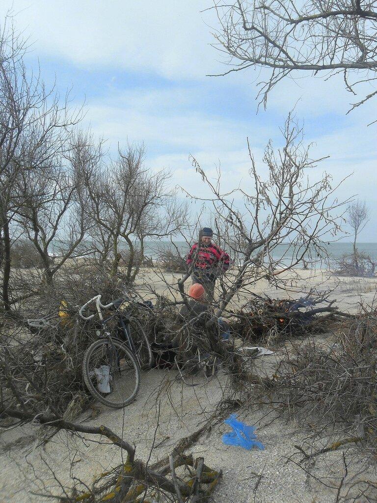 У костра, с велосипедом ... SAM_5653.JPG