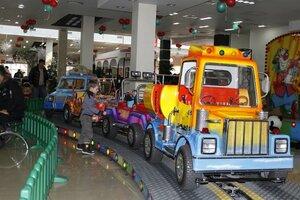 Посетителей крупного торгового центра в Находке эвакуировали