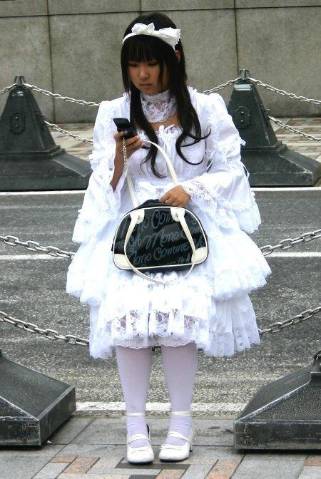 Этим словом японские лолиты называют тех девочек, которые пытаются
