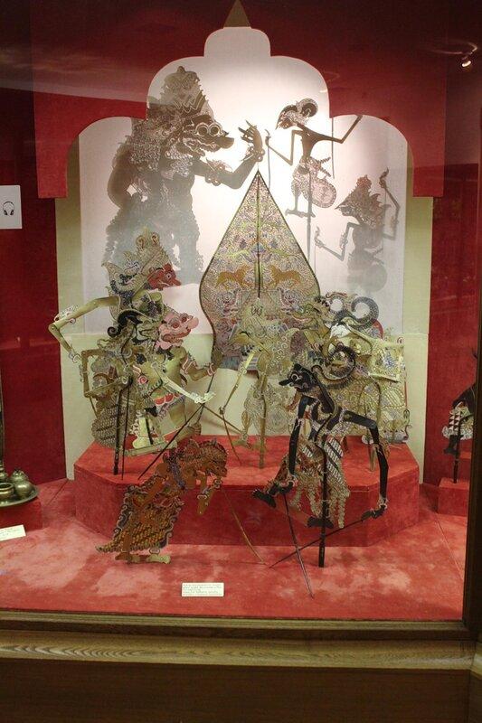 Куклы традиционного театра ваянг пурво