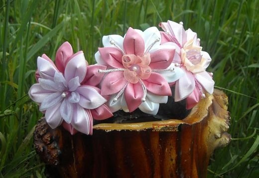 Поделка, изделие, Украшение Цумами Канзаши: Цветы из лент(канзаши.