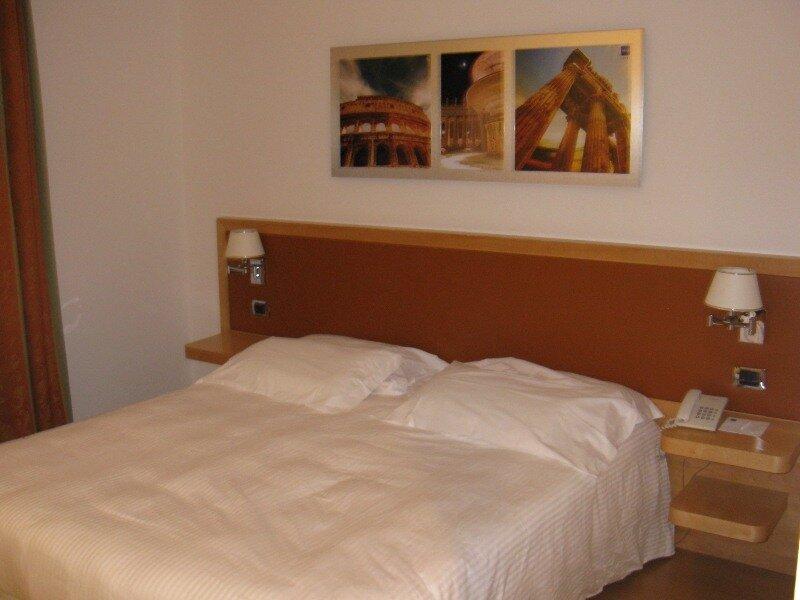 Hotel Cinecitta 3*, Rome
