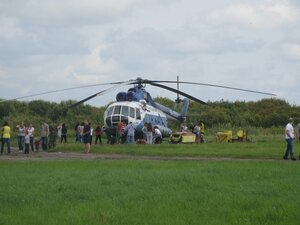 Вертолёт Ми-8 на аэродроме в Борках