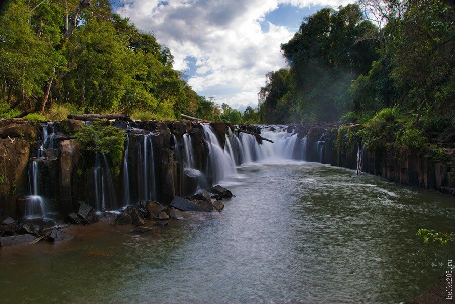 Laos, Pakse, плато Болавен (Bolaven Plateau), Водопад Wes at Phasouam