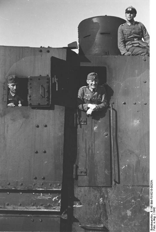 Krim, Panzerzug, Besichtigung Hans v. Ahlfen