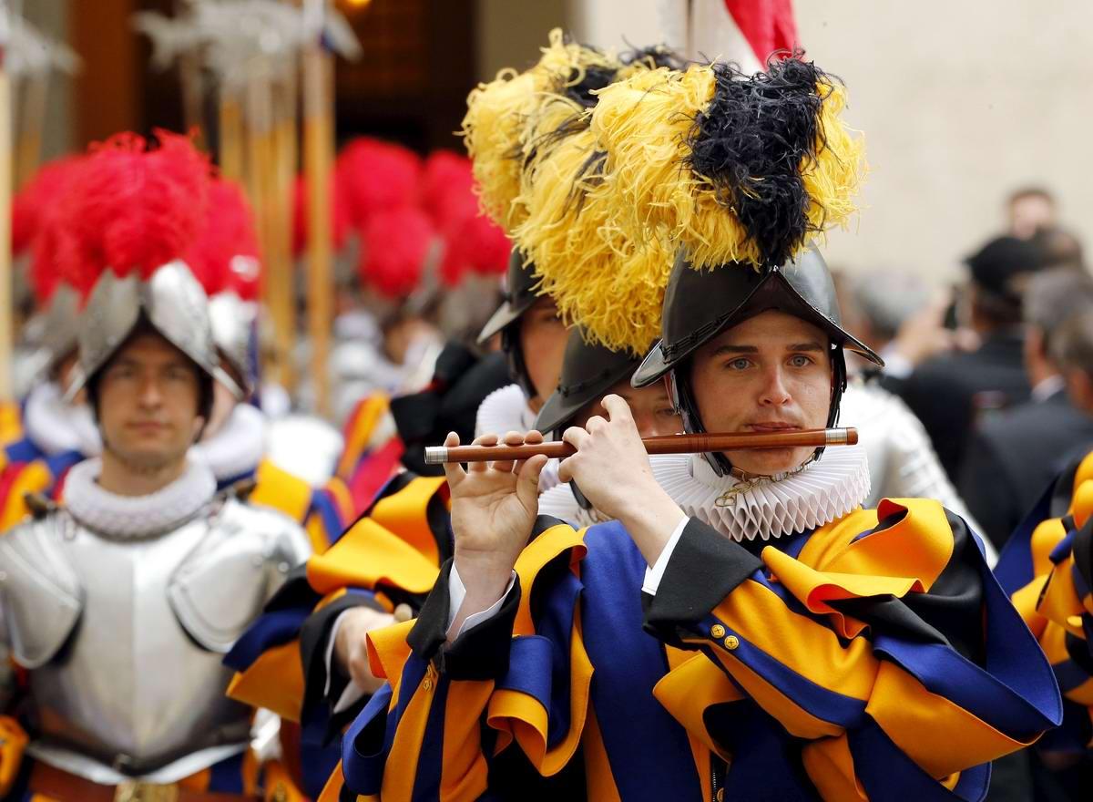 Швейцарская гвардия Ватикана: Новобранцы присягают на верность Папе Римскому (23)
