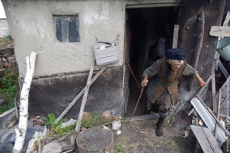 83-летняя слепоглухонемая жительница воронежского села Большая Дмитровка самостоятельно ведет домашнее хозяйство